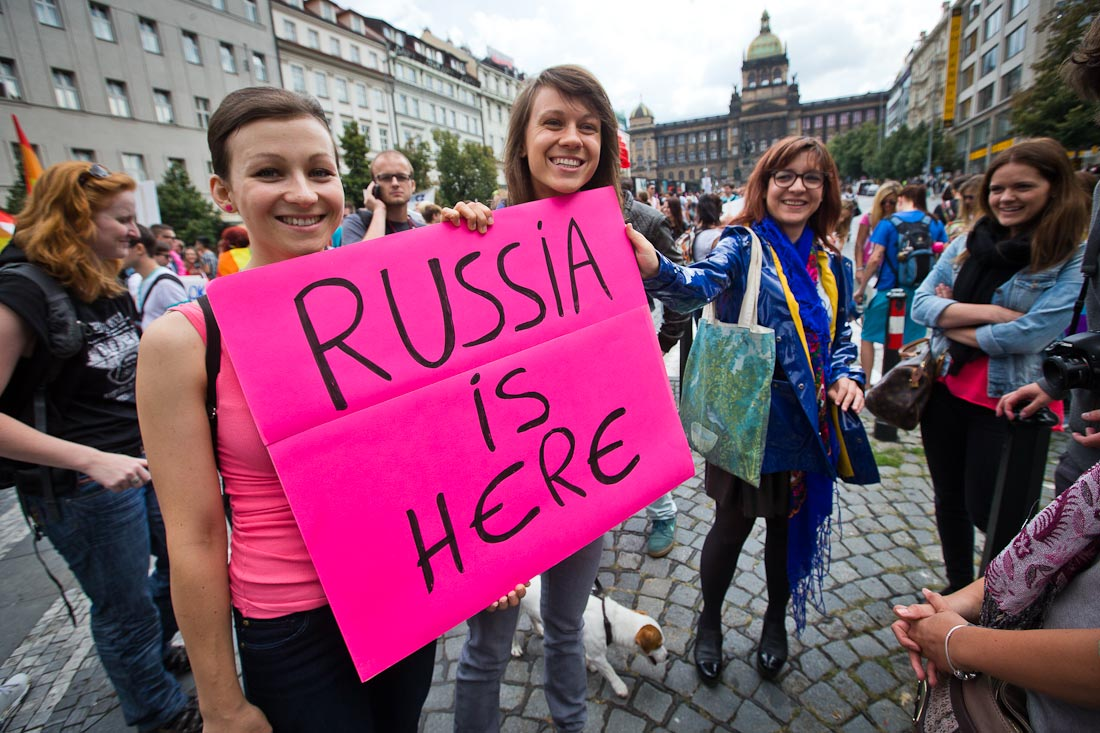 На фото: Общество потребления. Россияне в Германии скупают роскошь, а на Родине - берут займы под текущие нужды, автор: Komissarov