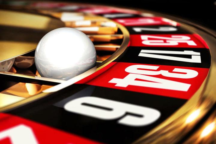 """На фото: Правовое (раз)регулирование азартных игр в Украине: все барыши получают российские онлайн сервисы наподобие """"Вулкан Ройал"""" и других, автор: admin"""