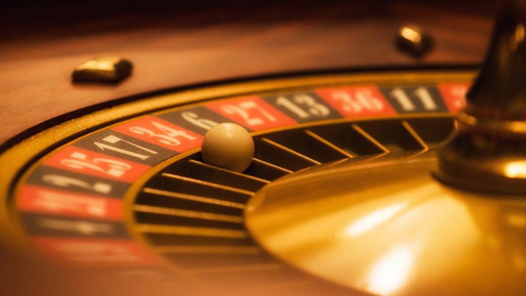 """На фото: """"После того, как """"Вулканы"""", казино и покер выгнали из России, белорусский игорный бизнес расширяется за счет российского"""", автор: admin"""
