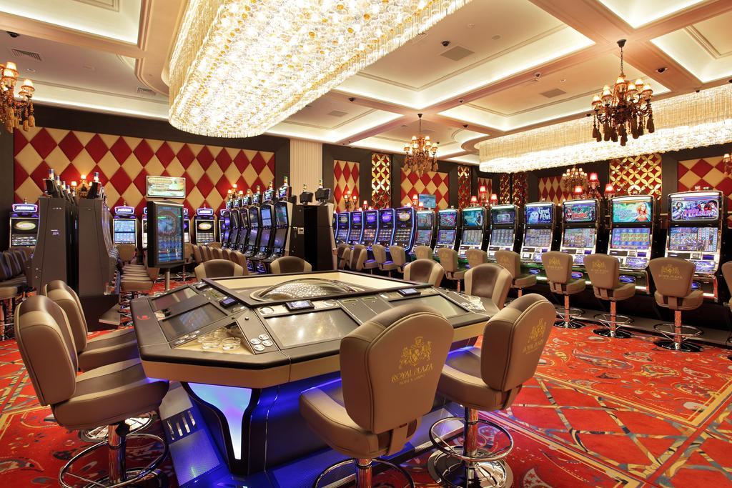 """На фото: Позиция белорусского законодателя: """"Запрет игровых заведений (классические казино, Азино 777, покер-клубы и пр.) - признак тоталитаризма"""", автор: admin"""