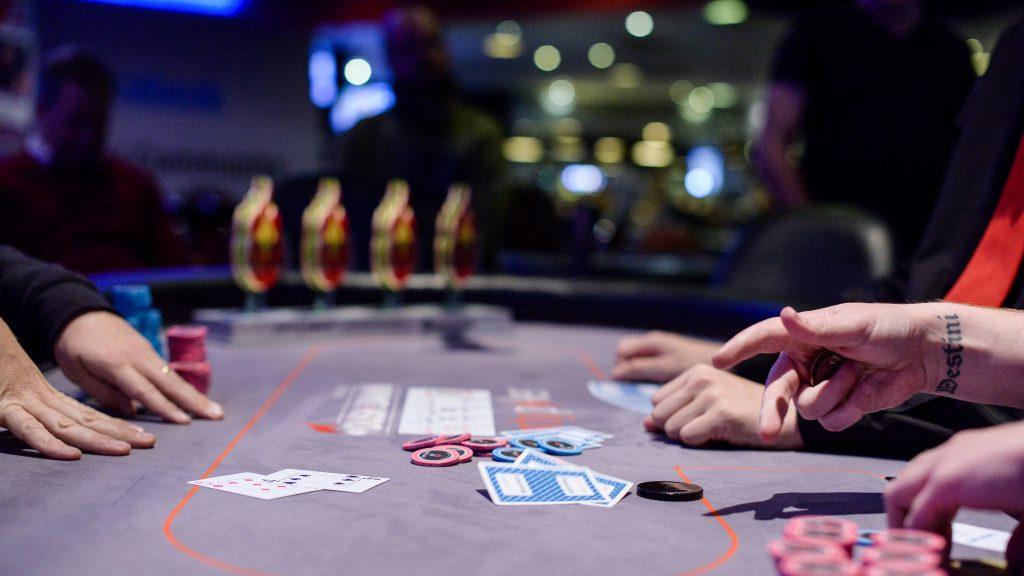 На фото: Психология души. Устал? Лучше скачать Джойказино на мобильный или поиграть в интернет-покер (мнение), автор: admin