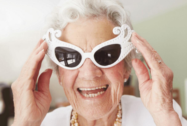 """На фото: Бабушка, которая выиграла 600.000.000 долларов: """"Обеспечу внуков, буду играть на деньги и дальше в Admiral в Лас-Вегасе, а также путешествовать"""", автор: admin"""